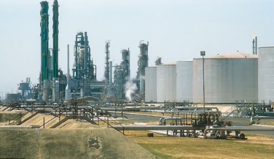 coronavirus bp oil refinery